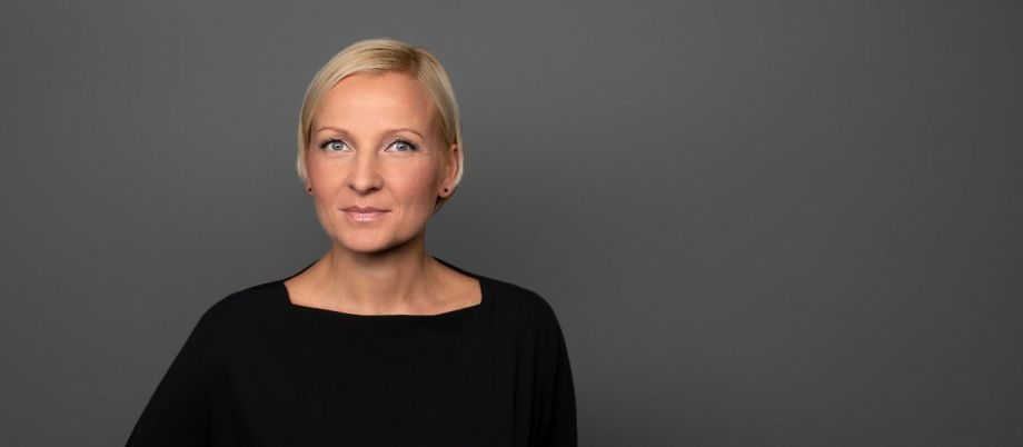 Staffelübergabe bei media:net berlinbrandenburg an Jeannine Koch