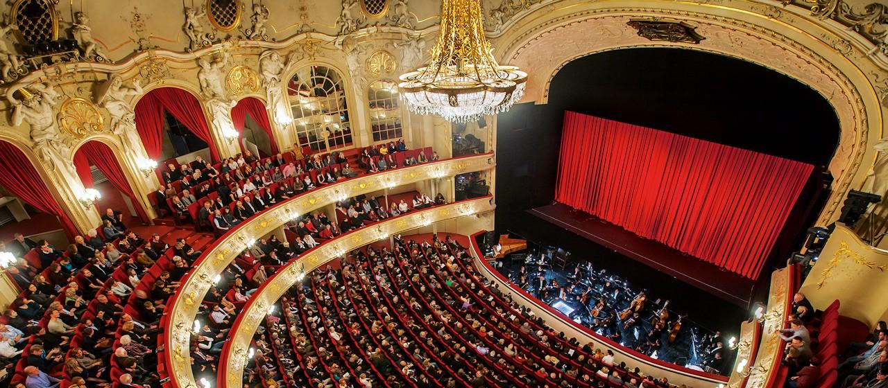 Komische Oper, Foto: Jan Windzsus Photography